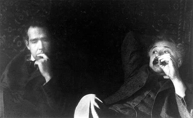 Niels Bohr (links) und Albert Einstein (rechts) Foto von Paul Ehrenfest