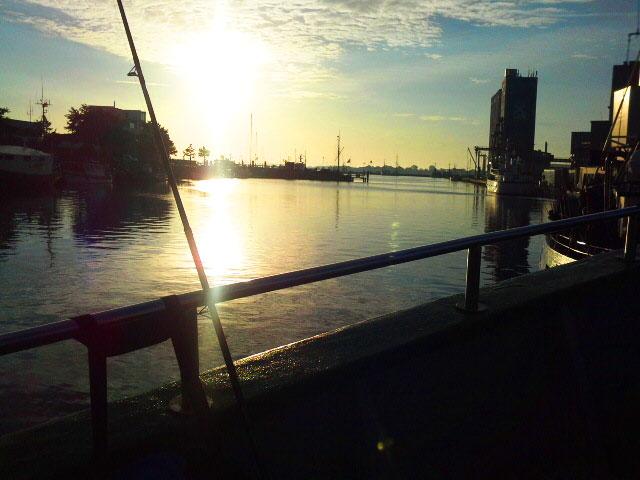 Heiligenhafen am Morgen (7 Uhr) vor dem Hochseeangeln