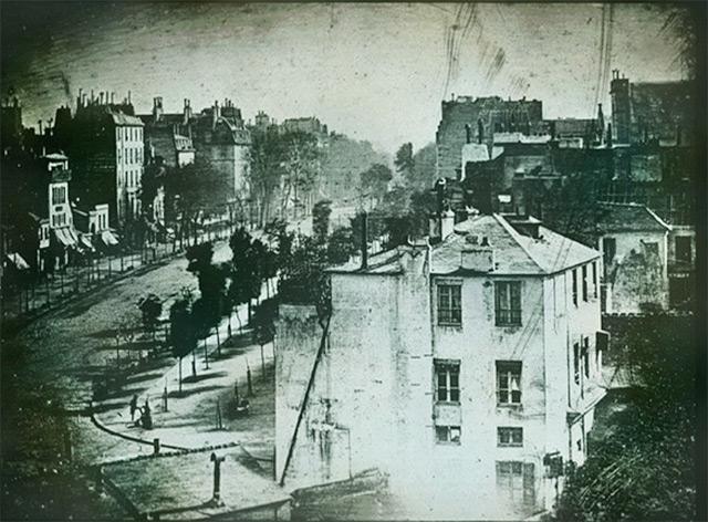 Daguerreotype of Boulevard du Paris (1839)