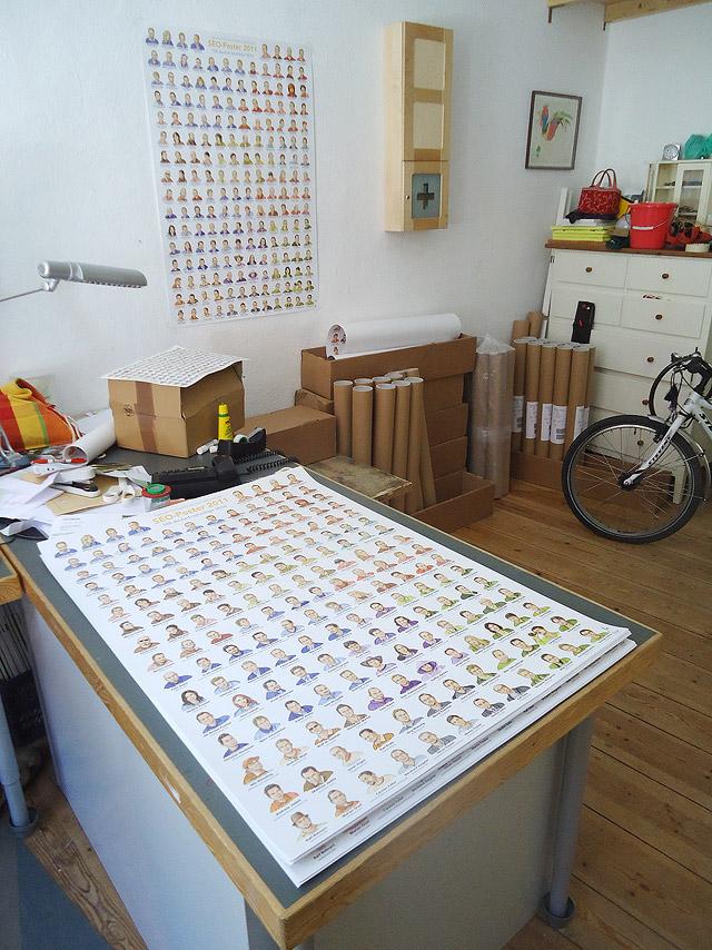 Seo-Poster und Verpackungsmaterial in meinem Büro