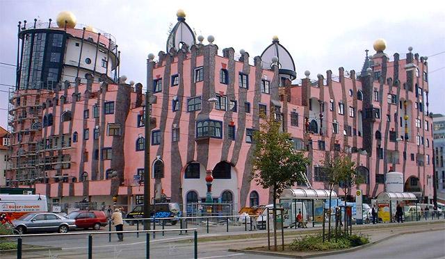 "Hundertwasserhaus in Magdeburg (""Grüne Zitadelle"")"